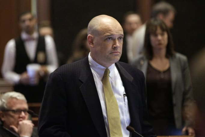 Illinois politician resigns after fighting social network fakes