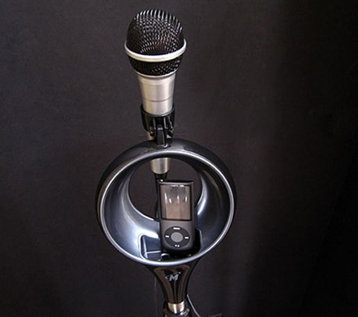 Memorex SingStand iPod karaoke mic critiqued and in the wild