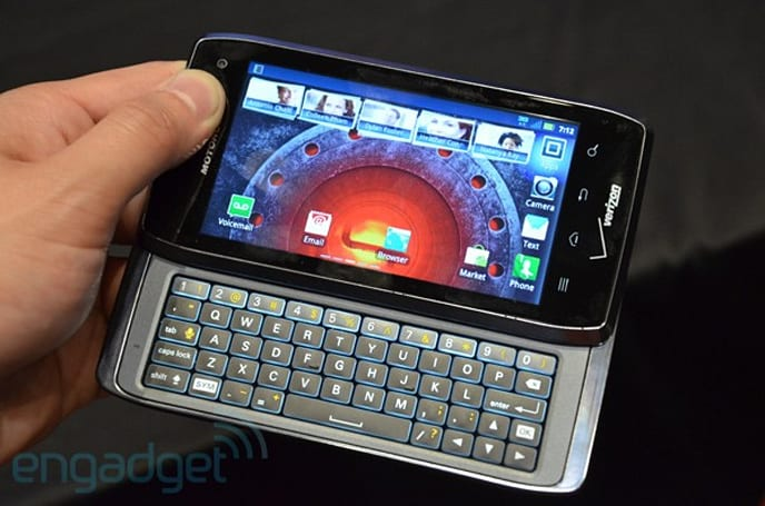 Motorola Droid 4 available on Verizon today for $200