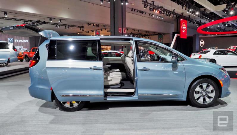 Chrysler's hybrid minivan electrifies grocery getting