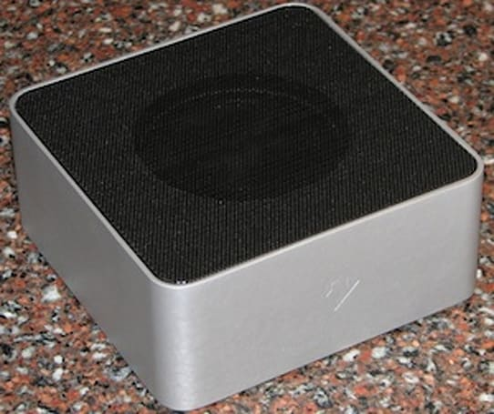 TUAW Review and Giveaway: Twelve South BassJump subwoofer for MacBook