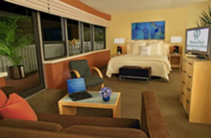 RCN extends relationship with Highgate Hotels, will provide HDTV to weary travelers
