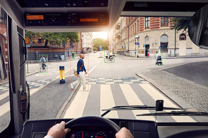 Volvo's e-buses will honk at oblivious pedestrians