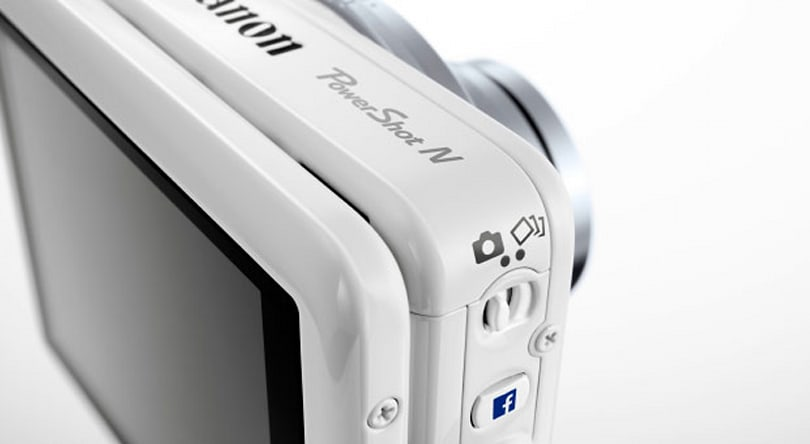 Canon appeals to internet socialites with PowerShot N Facebook camera