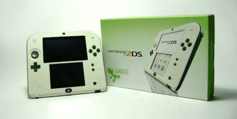 Custom Luigi 2DS up for auction, 25% of proceeds to Child's Play
