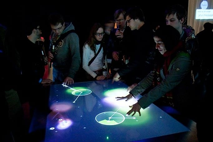 Struktable multitouch table is as fun to use as it is to say