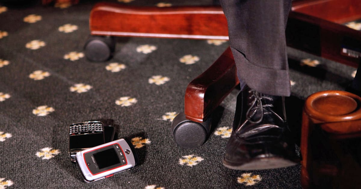 US Congress finally ditches the Blackberry