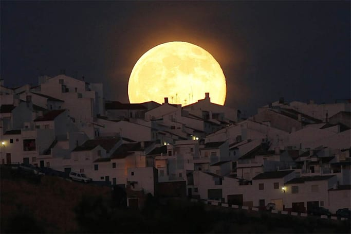 In Pictures: The spectacle of the 'Supermoon'