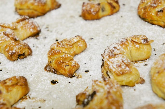 Cooking with Watson: Spanish almond crescent