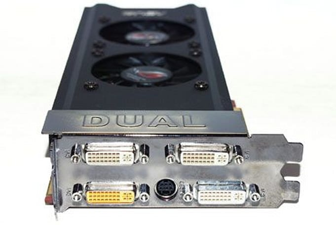Asus' quad DVI-packing EAH3870 X2 1GB TOP gets previewed