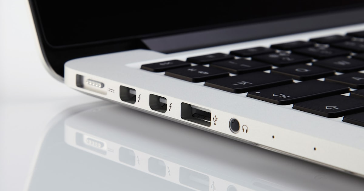 After the traditional 3.5 mm jack on iPhone, Apple is reportedly planning to eliminate the USB 3.0 and Magsafe ports on its next-gen MacBook. Though a rumor but we have to wait and watch for the new development Apple is going to make it users adapt to. - Image 1