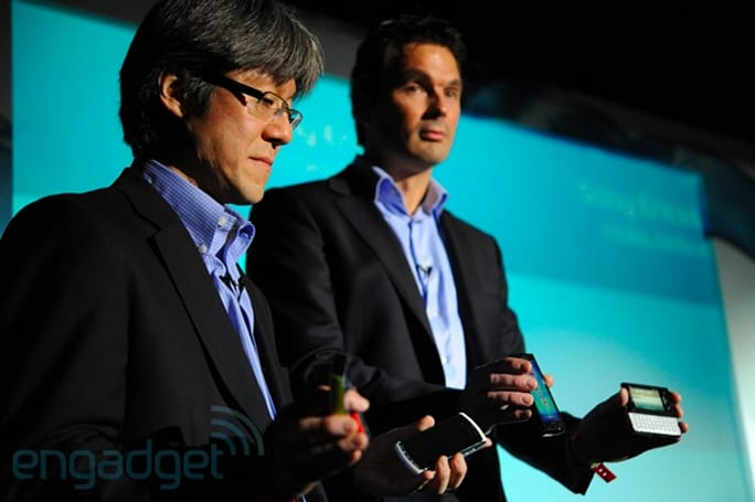 Sir Howard Stringer and friends show off Sony Ericsson's new handsets