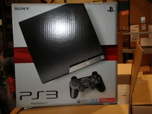 250GB PS3 spotted in Best Buy backroom, making trouble