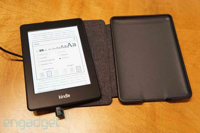 Amazon Kindle Paperwhite Leather Cover hands-on