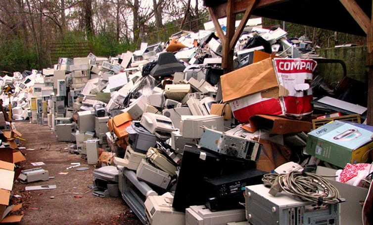 US creates the most e-waste, cellphones top the heap