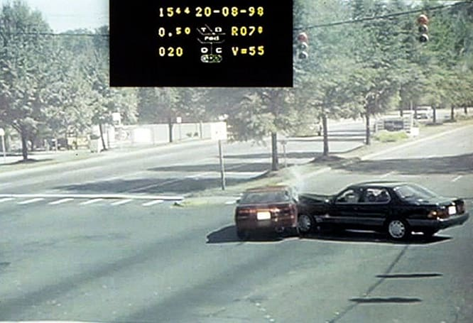 MIT-created algorithm predicts likelihood of running red lights, places blame where appropriate