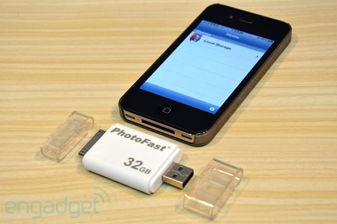 PhotoFast iFlashDrive now available to pre-order in US and UK