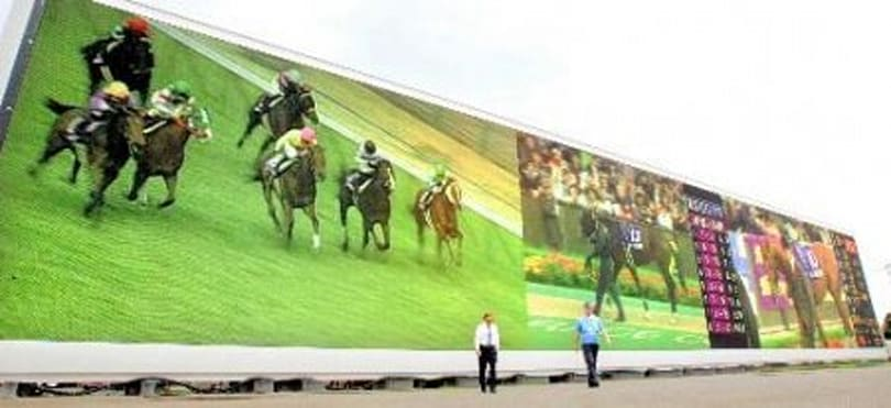 """Newest """"World's Largest HDTV"""" constructed at Japan racetrack"""