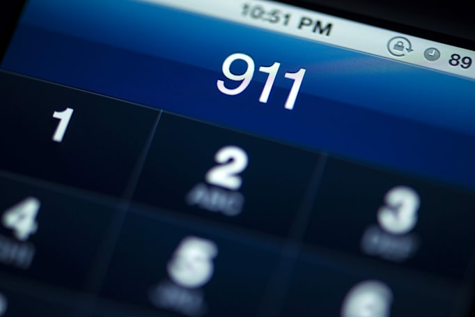 AT&T, Verizon sued for giving businesses discounts on 911 fees