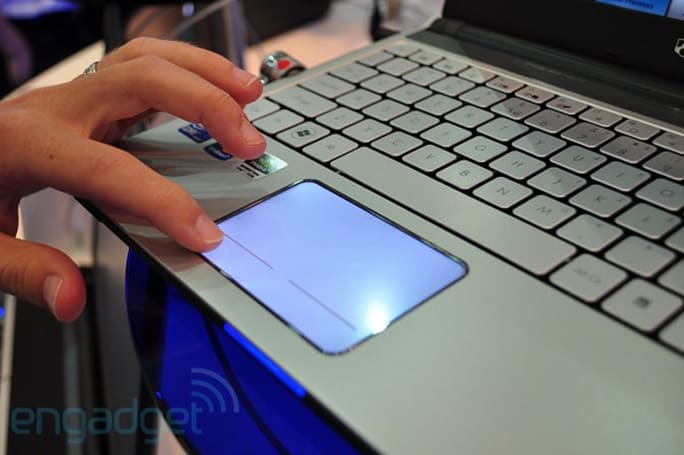 Gateway gets snazzy with glowing touchpads on EC39C and ID49C08u laptops