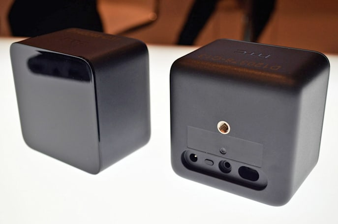 Valve's room-scale VR trackers will soon be sold separately