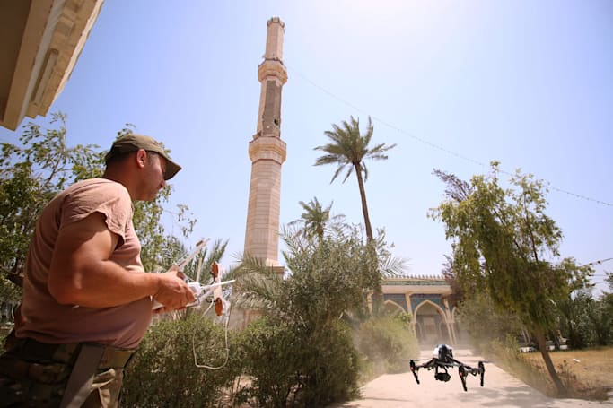 Iraqis use off-the-shelf drones to battle ISIS