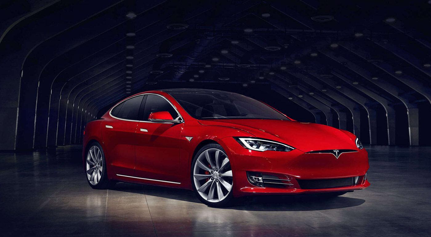 Tesla reportedly eyes brakes in fatal Model S crash