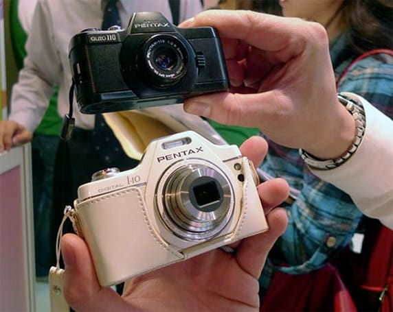 Pentax Optio I-10, Nikon S3000 and Canon PowerShot SX210 IS seen in the wild