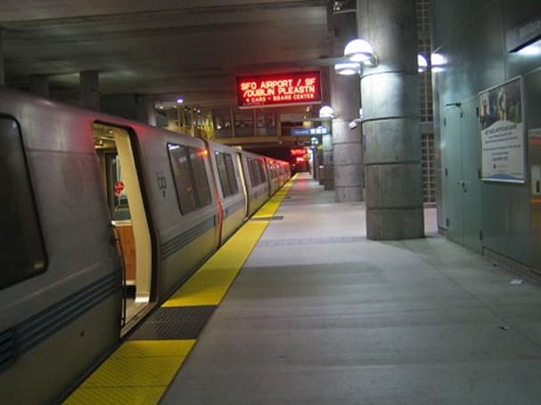 WiFi Rail finalizes 20 year deal to bring internet to BART trains