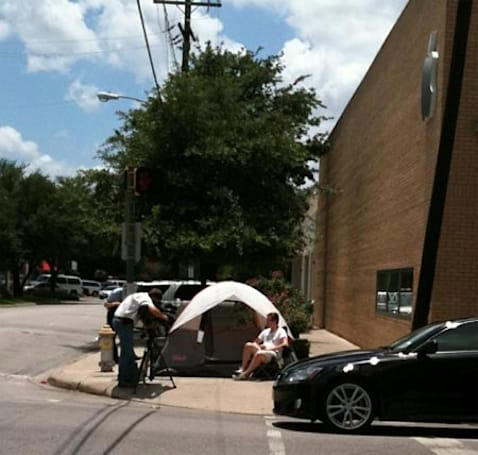 First iPhone 4 camper spotted, one week early (update: video)