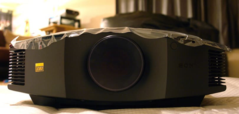 Sony's 1080p VPL-HW10 projector gets unboxed and reviewed