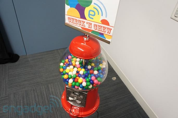 Check 'N Chew Foursquare-enabled gumball machine hands-on (video)