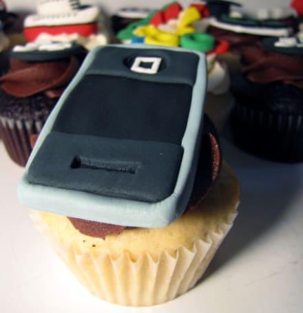 Mmmm, an iPhone cupcake