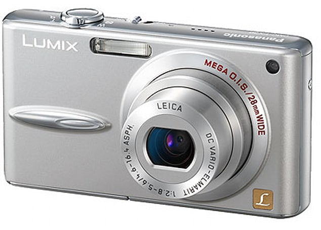 Panasonic's wide-angle Lumix DMC-FX30 gets reviewed