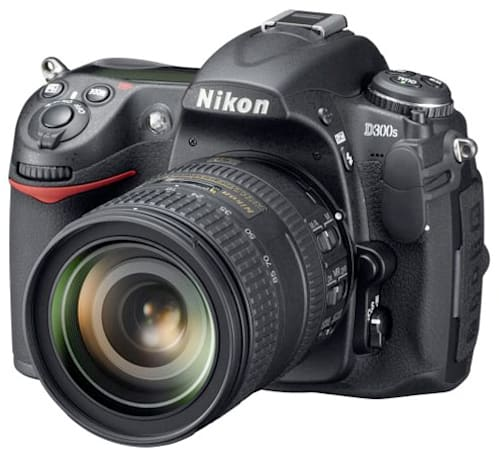 Nikon D300s and D700 hitting stale status, make way for the next generation
