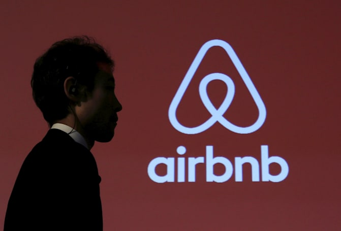 Airbnb reportedly working on a flight-booking feature