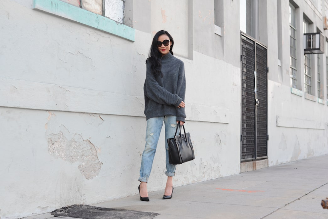 Street style tip of the day: An oversized turtleneck