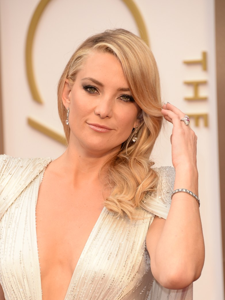 Kate Hudson's classic waves for the Oscars -- Get her exact look