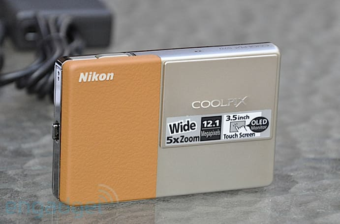 Nikon Coolpix S70 unboxing and hands-on
