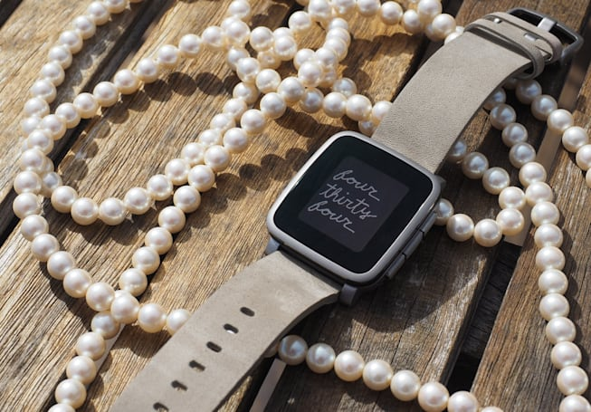 Pebble update gives smartwatches standby and 'Quiet Time' modes