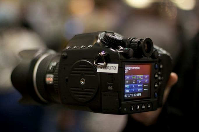 Pentax's medium-format 645D previewed, is a lot of camera to love (video)