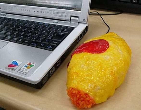 SolidAlliance's Omellete mouse cover -- that's rice, not maggots