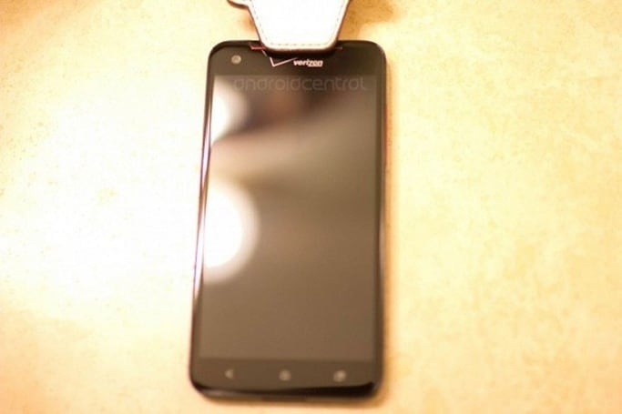 HTC Droid Incredible X possibly spotted with Verizon badging intact (Update: DLX is short for 'Deluxe')