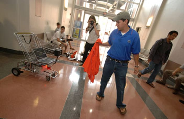 B.O.S.S. shopping cart follows you around