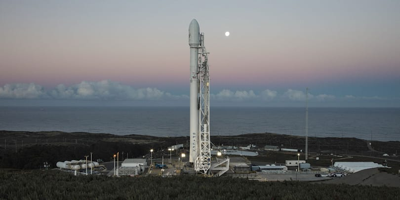 Watch the first SpaceX launch since September's explosion