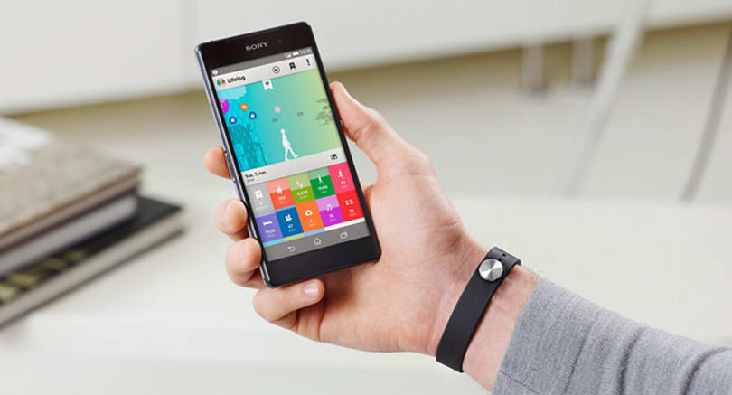 Sony's Core-equipped SmartBand and Lifelog app arrive in March (video)