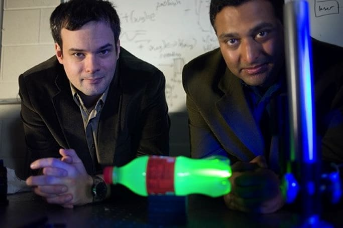 MIT builds camera that can capture at the speed of light (video)