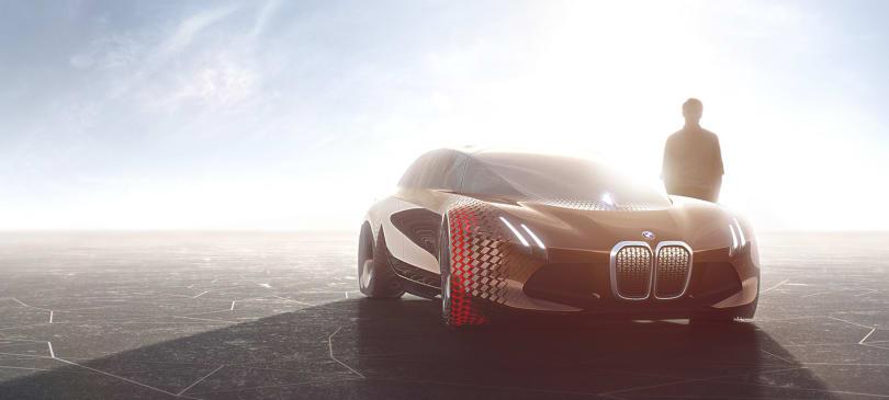 BMW's autonomous luxury car will launch in 2021