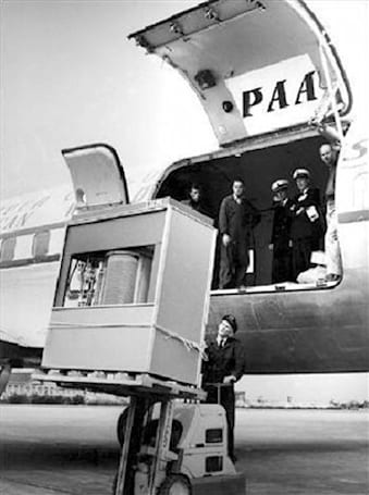 Visualized: IBM's 1956 HDD packs 5MB of storage, requires forklift for installation
