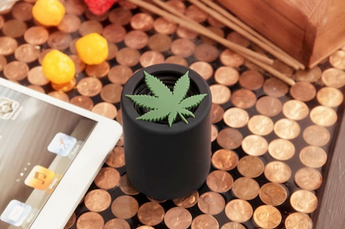 Weed like to show you this spliffy 420 Audio High-Fi Bluetooth speaker